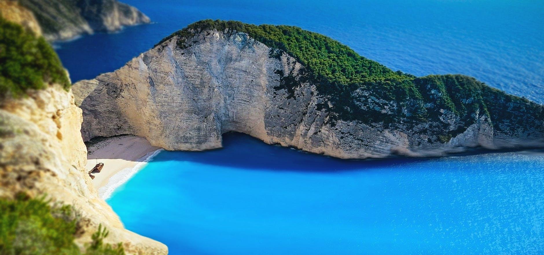 navagio beach, shipwreck, zakynthos, grece
